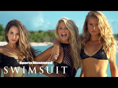 Thumbnail: Christie Brinkley, 63, Is Back In Her Bikini With Her Daughters | Sports Illustrated Swimsuit
