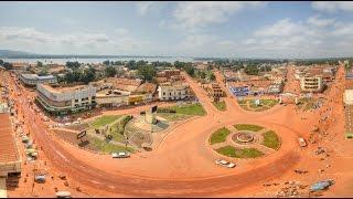 Bangui başkenti ve Orta Afrika Cumhuriyeti'nin en büyük şehri, Ubangi Nehri, ticaret,