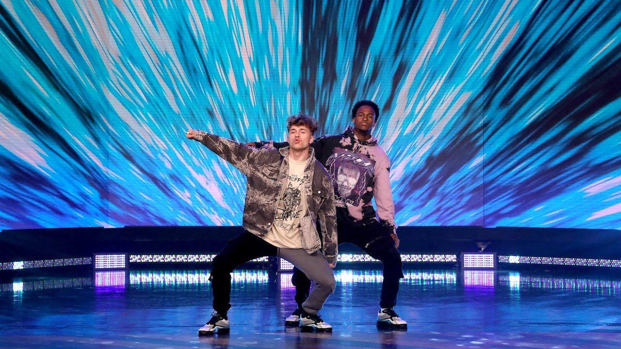 TikTok Dancers Slavik and Aubrey's Unbelievable Performance