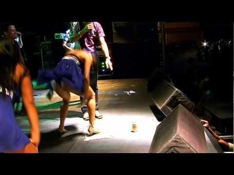 Banda Top Less:KIKA na LATINHA/www.palcomp3.com.br/topless