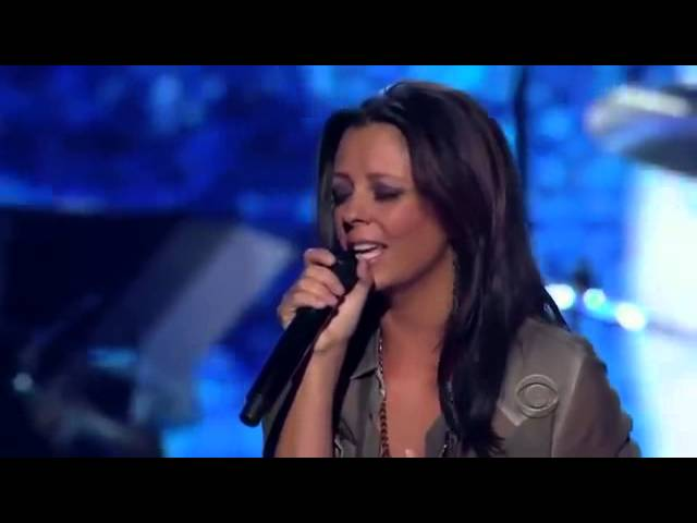 sara-evans-stand-by-your-man-acms-girls-night-out-sara-evans