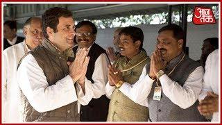 rahul-gandhi-meets-congress-workers-in-gujarat
