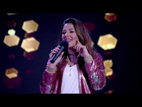 دنيا سمير غانم  تغني مع شيماء سيف ' باب الحياه '