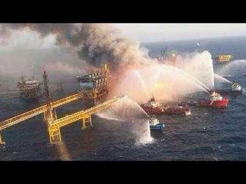 Huge Fire On PEMEX Oil Gulf of Mexico Platform