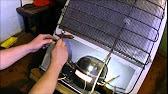 В тот момент, когда холодильник вырабатывает холод, мотор компрессора движется на номинальной мощности, через основную сеть проходит электрический ток, подаваемый из электросети через температурное реле, посредством замкнутых контактов. В это же время реле, включающее функцию.