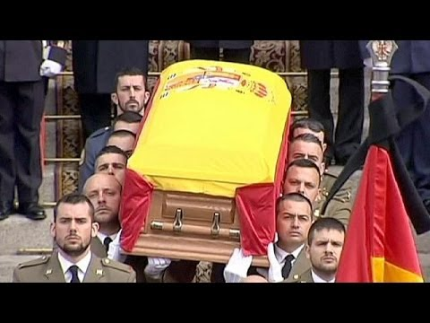 Tens of thousands in Madrid say final farewell to Adolfo Suarez