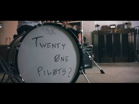 Twenty One Pilots: Stressed Out { 1 Hour Version }