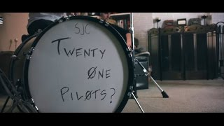 Gambar cover twenty one pilots: Stressed Out { 1 Hour Version }