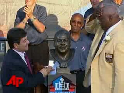Six NFL Greats Enter Hall of Fame