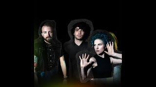 Paramore - (One Of Those) Crazy Girls (HQ Audio)
