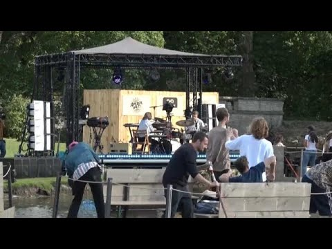 فيديو: اختيار جمهور مهرجان موسيقي عن طريق القرعة بسبب كورونا…  - نشر قبل 7 ساعة