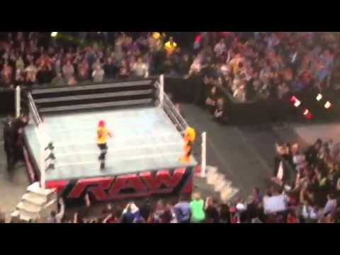 Hulk  Hogan returns live in Brooklyn