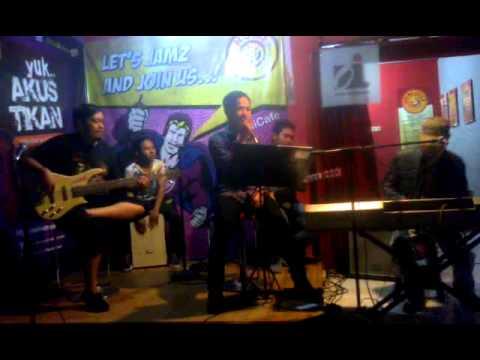 Homi Cafe Akustik - Kisah Cintaku (Cover)