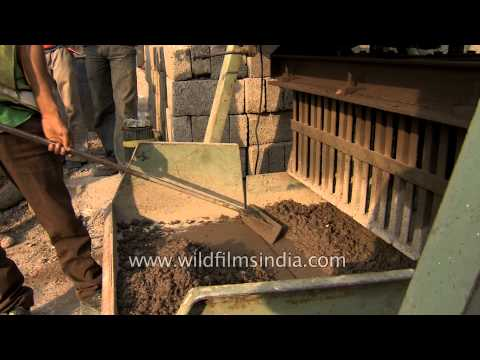 Concrete block making from recycled construction waste