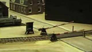 Animated Railroad Crossing in HO-scale