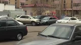 Тем временем в Казахстане (парковочный авто-секс)