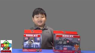 Andy's unboxing Roblox Toys
