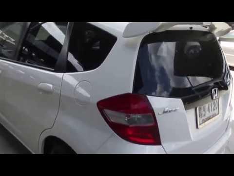 รถเก๋งมือสอง รถราคาถูก Honda (ฮอนด้า แจ๊ส) Jazz สีขาว ปี 2011 เครื่อง 1.5 I-VTEC เกียร์ ออโต้ #UC44