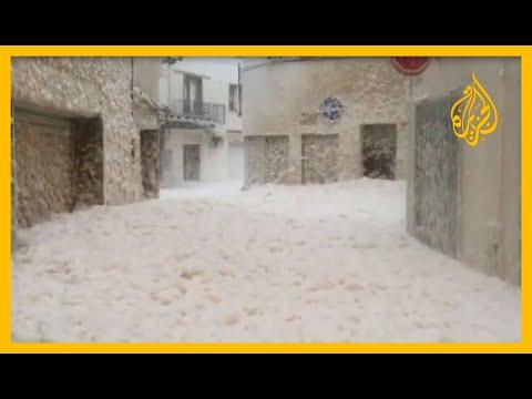 ???? شاهد | أمواج شديدة الارتفاع وزبد البحر يملأ الشوارع.. عاصفة تشل الحركة في بعض مناطق إسبانيا  - نشر قبل 4 ساعة