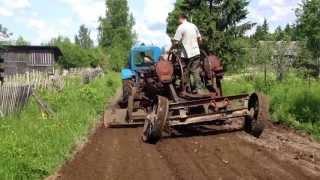 Прицепной автогрейдер (Слудицы)(via YouTube Capture., 2013-06-03T13:46:30.000Z)