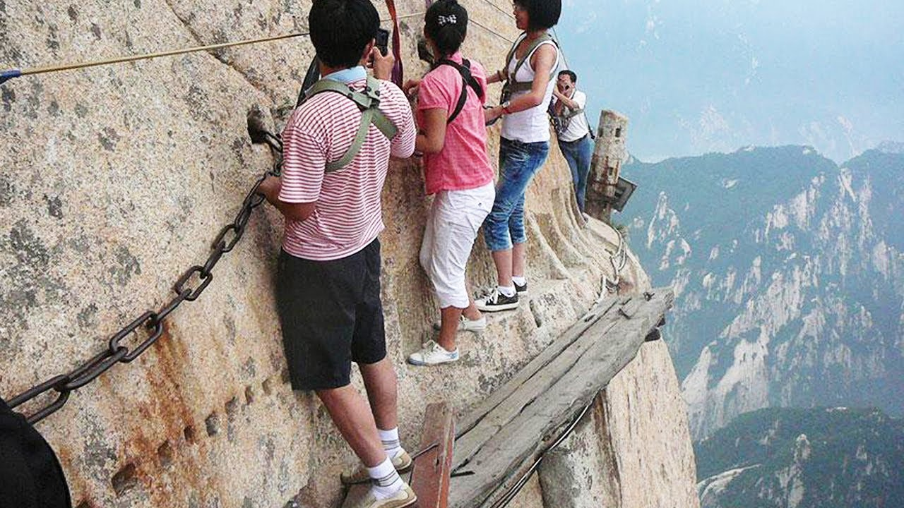 Backpacker Magazine Top 10 most dangerous hikes in the World : Outdoors