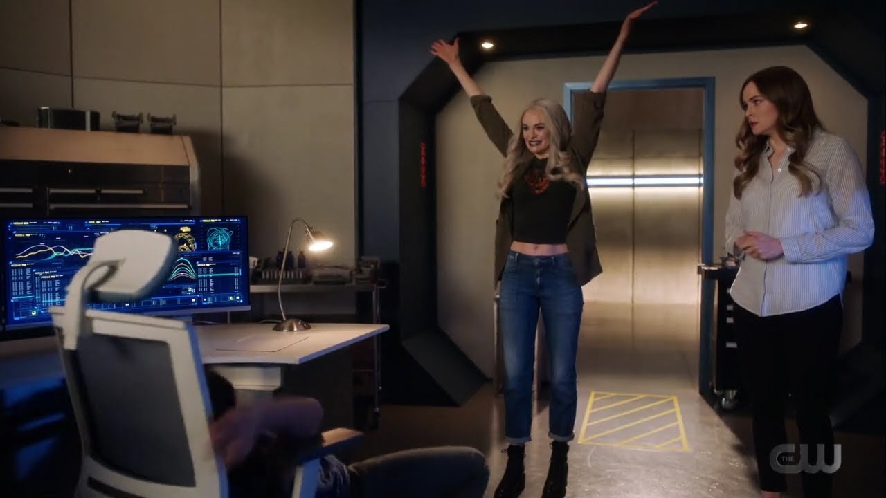 Download What! killer Frost has her OWN BODY/ The Flash season 7 episode 4  tv show's conflicts