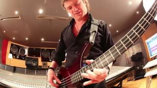 boss sy 300 bass demo by pascal mulot