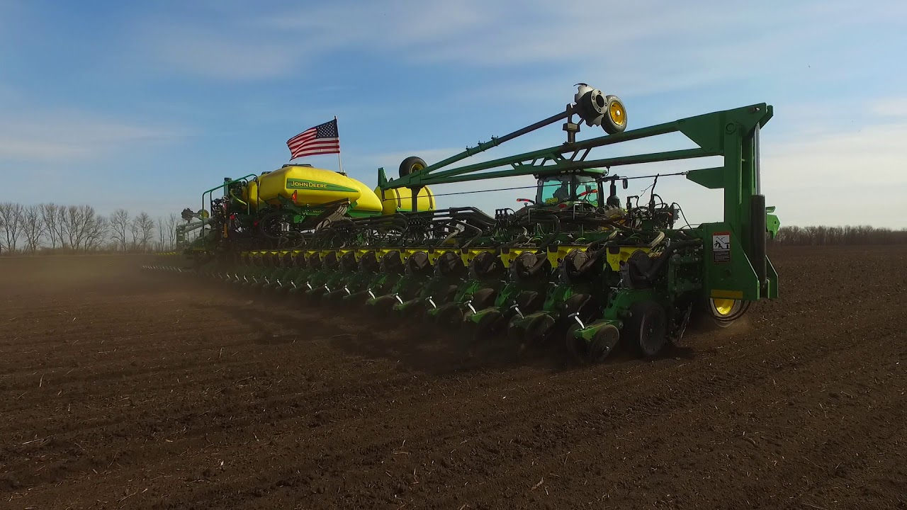 Planting With A John Deere 36 Row High Speed Planter Youtube