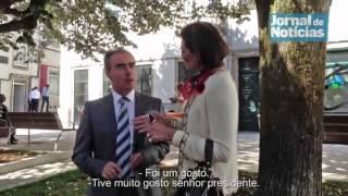 José Castelo Branco recebe dois beijinhos de autarca de Tondela