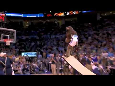 Mr Thunder Oklahoma City Thunder Mascot FAIL Miss the Dunk in the Halftime Show