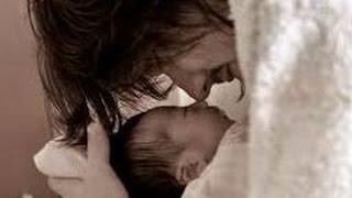 【涙腺崩壊】生まれた赤ちゃんを見て看護師が「うっ、汚っ」と…。その後どうにもならない空気を新米パパになった男性が一言で吹き飛ばした thumbnail