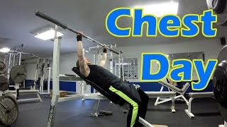 Nerd Lost at the gym - Episode 1:  CHEST DAY