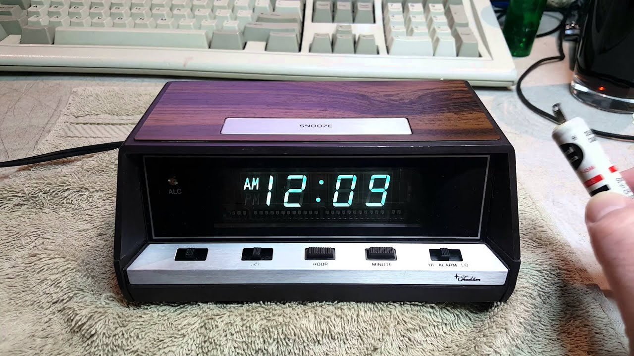 1982 Sears Model 47201 Alarm Clock