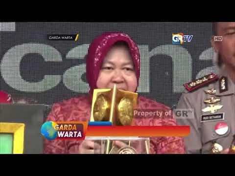 surabaya---walikota-surabaya-pamer-penghargaan-selama-2018