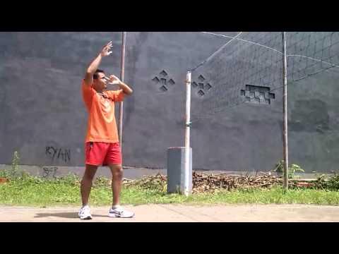 Teknik Dasar Smash dalam permainan bola voli #PJKR'B2011
