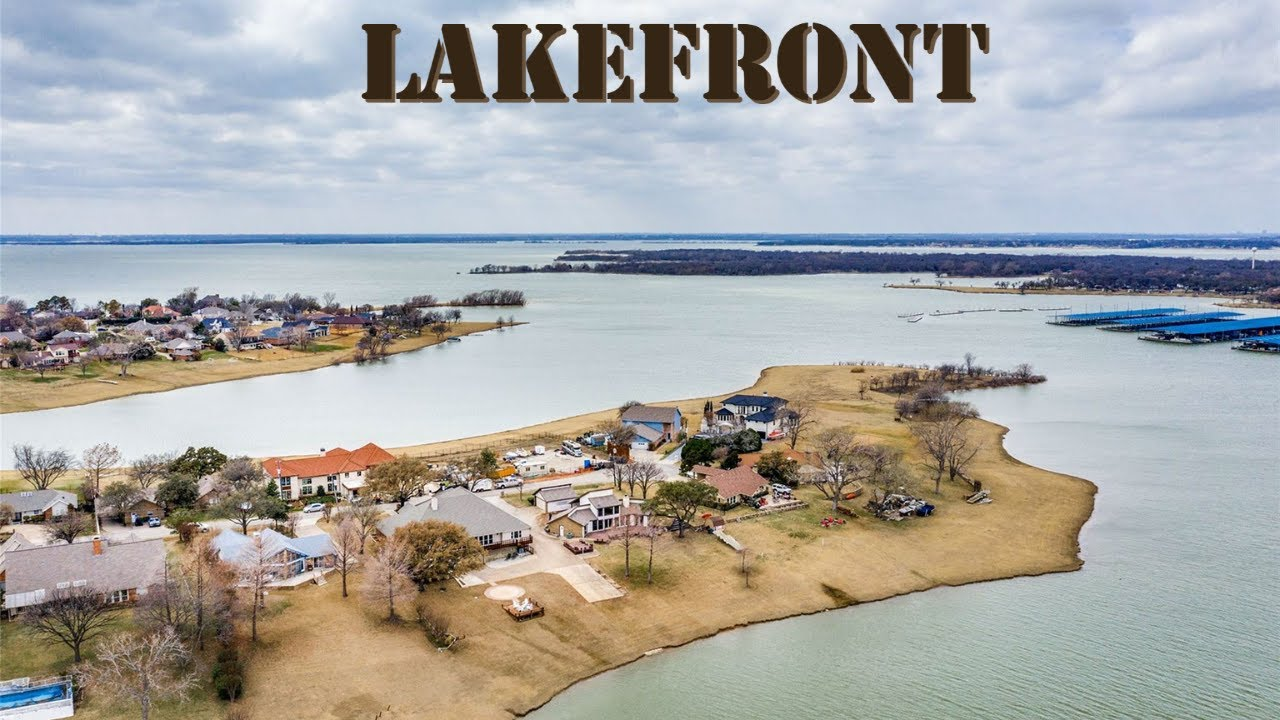 Lakefront Home on 0.4-Acre, 2-Car Garage + Carport, 3-Bed, 2-Bath, 2237 SF, N. Dallas Home For Sale