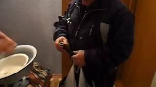 Отец вернулся с рыбалки