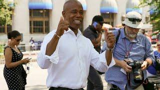 Primaire démocrate à New York : l'ex-policier noir Eric Adams donné vainqueur • FRANCE 24