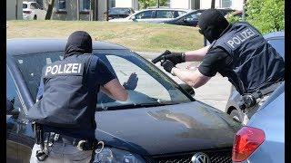 Die Gangster-Jäger der Bundespolizei: Direktion Kriminalitätsbekämpfung jagt Schleuser und Fälscher