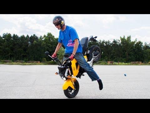 Vienna Streetrockaz - Action and Stunts on Honda MSX125