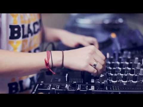 Conheça a DJ Ban - Electronic  Center