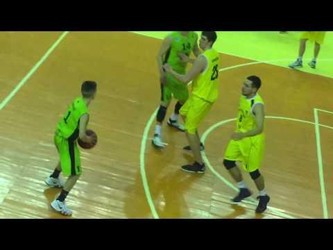 Sportbuk: Баскет: у грі – юнак зростом 170 см, найнижчий гравець ліги?