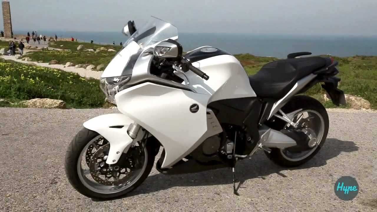 honda vfr 1200 f review youtube. Black Bedroom Furniture Sets. Home Design Ideas