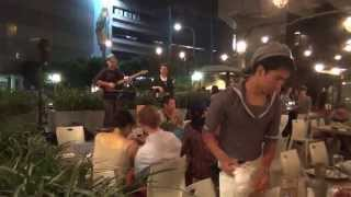 Tom tom Turn Around covered by Klaus Bluetner & Ken at Taipei Fish Market 上引水產