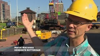 Deur Parksluizen Rotterdam terug op plek