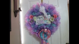 2019, Honor Your Mom Wreath