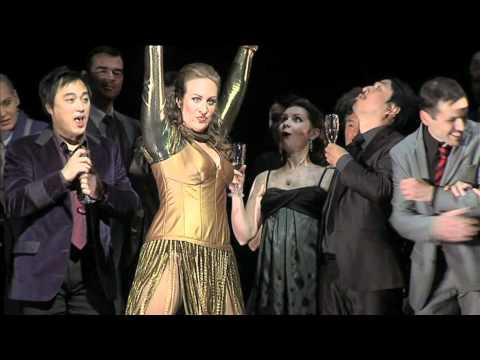 HOFFMANNS ERZÄHLUNGEN Oper Frankfurt
