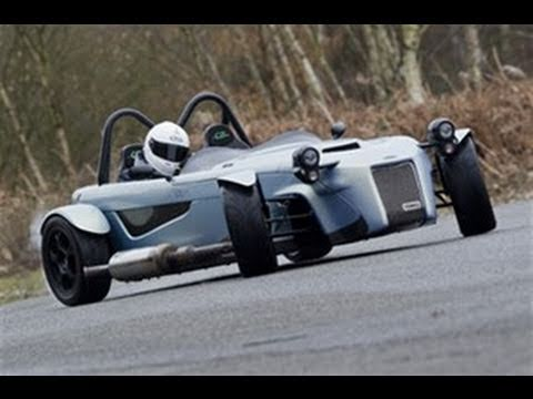 Toniq CB 200 90sec video review by autocar.co.uk