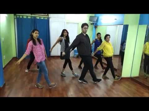 Super girl from china dance video l Bollywood dance...