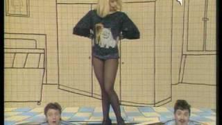 Raffaella Carrà - ¡Qué dolor! (una mujer en el armario) -Español- 1984